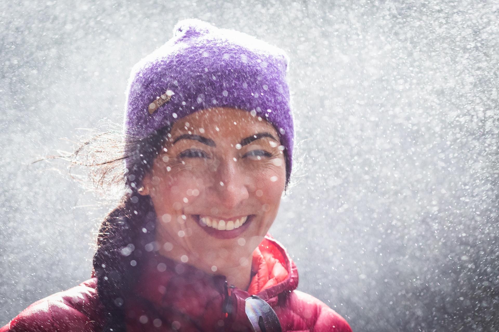 Hören & Ohrenschmerzen in der kalten Jahreszeit – Wichtige Tipps für gesunde Ohren im Winter